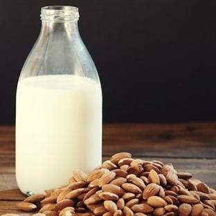 Badem Sütünün Faydalarını Biliyor musunuz?