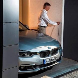 BMW 330e Hybrid 252hp ile 2 Litre Yakıt Tüketiyor