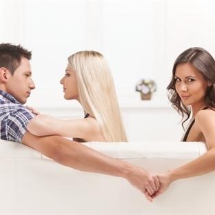 Erkekler Neden Eşlerini Çirkin Kadınlarla Aldatırl