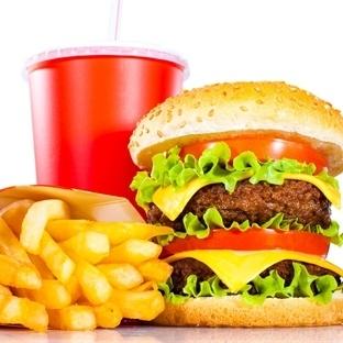 """""""Sağlıklı fast food"""" kuralları"""