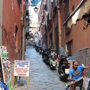 İtalya'nın Kabadayısı; Napoli