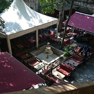Yer Keşfi: Lalezar Cafe-Beyazıt