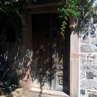 Ahşap Kapıların Gizemi