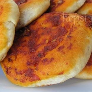 Biberli Ekmek Hamuru ve Biberli Ekmek Yapılışı