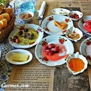 Galata Kulesine Nazır Harika Ev Kahvaltısı