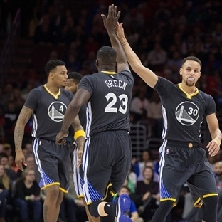 Golden State Warriors Rekor Peşinde