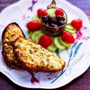Kahvaltılık Ekmek Üstü Lorlu Yumurta