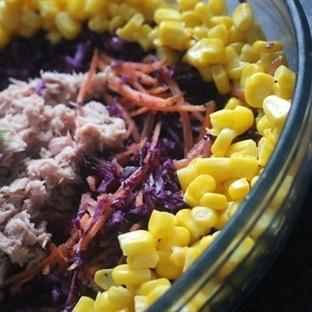 Kırmızı Lahanalı Ton Balık Salatası