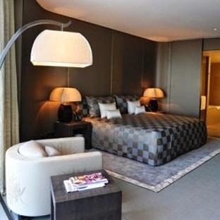 Koyu Renkli Yatak Odaları