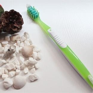 Oral-B Pro-Expert Hassas Dişler İçin Diş Fırçası