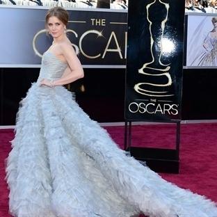 Oscar Ödüllerinin Şık Kırmızı Halı Elbiseleri