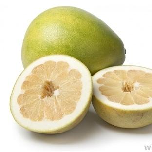 Pomelo Diye Bir Meyve