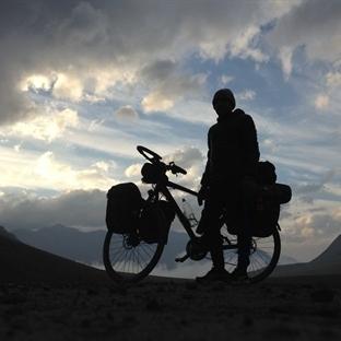 Terkedilince Alaska'ya Kadar Bisiklet Süren Adam