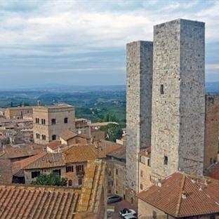 <span>San Gimignano - Das</span><br /><span>mittelalterliche</span><br /><span>Manhattan</span><br />