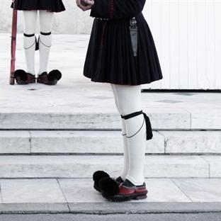 Atina'nın Eğlenceli Askerleri.Evzonlar!