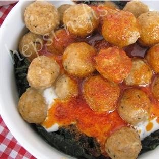 Bulgur Köfteli Yoğurtlu Ispanak