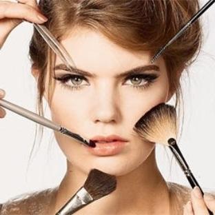 Farklı Zamanlara Göre Makyaj Yapın