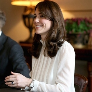 Kate Middleton: Reiss Gömlek ve D&G etek