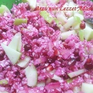 Meyveli Çiğ Karnabahar Salatası