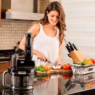 Mutfaklara Siyahın Asaleti Yansıyor