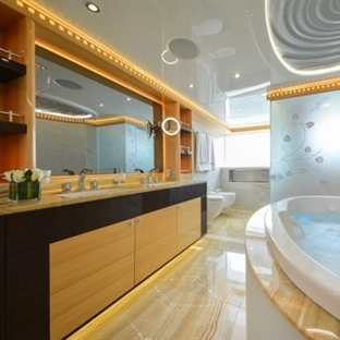 5 Different Bathrooms From Yachts