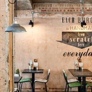 Brown Studio'dan Nottingham'da Handmade Burger Co