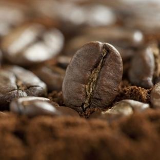 Göz Çevresi İçin Ev Yapımı Kafein Serumu
