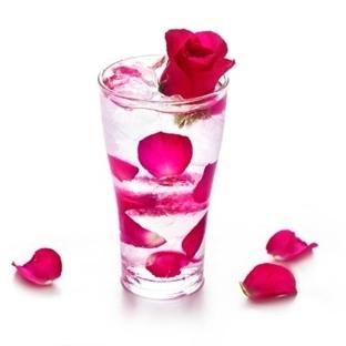 Gül suyu içmek için birbirinden yararlı 7 neden  D