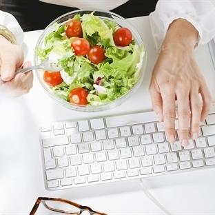 Masa Başında Çalışanlar için Sağlıklı Atıştırmalık