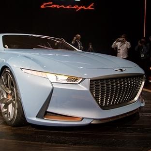 NewYork Auto Show Fuarında lüks araçlar sergilendi