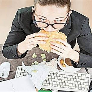 Ofiste çalışanlar nasıl diyet yapmalı?