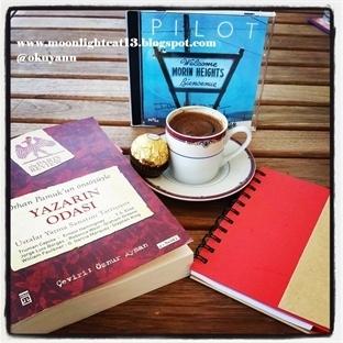 Okuma Halleri, Fotoğraflarla - Yazarın Odası / Phi