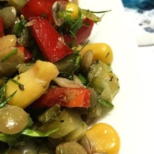 Rengarenk Yeşil Mercimek Salatası