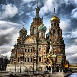 St. Petersburg Dökülen Kan Kilisesi