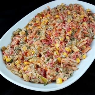 Yoğurtlu Sebzeli Salatası