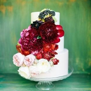 Çiçeklerle Süslü Düğün Pastaları