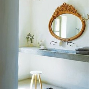 CLEAN AND WHITE WASHED BATHROOMS