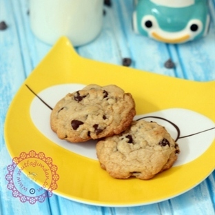 Damla Cikolatali Kurabiye-Chocolate Chip Cookies