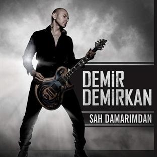 """Demir Demirkan'dan Yeni Klip: """"Şah Damarımdan"""""""