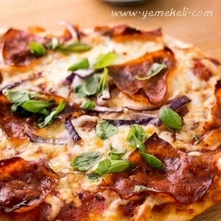 Ev Yapımı Pizza