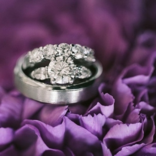 Göz Kamaştıran Nişan Yüzüğü ve Alyans Kombinleri