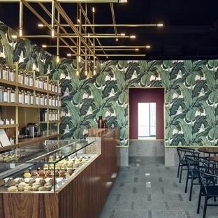 Hugon Kowalski'den Varşova'da Odette Tea Room