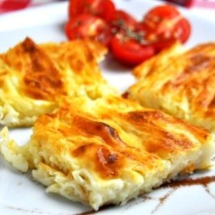 Lor Peynirli Kırma Börek Tarifi