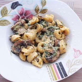 Mantarlı ve Ispanaklı Tortellini Tarifi