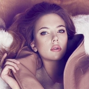 Scarlett Johansson'ın Oynadığı Huawei P9 Reklamı Y