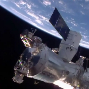 SpaceX'in Dragon Kapsülü Uzay İstasyonuna Ulaştı