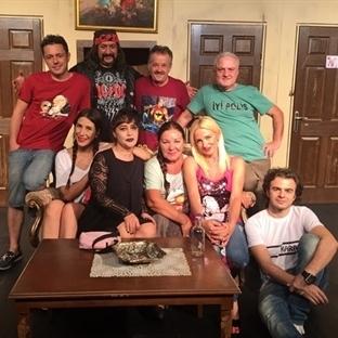 Tiyatro Ak'la Kara, Sezonu Sevilenlerle Kapatıyor