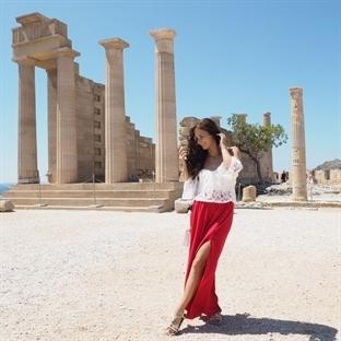 <span>Die schöne</span><br /><span>griechische Stadt</span><br /><span>Lindos auf Rhodos</span><br />