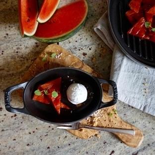 Gegrillte Wassermelone mit Kokossorbet