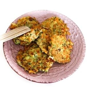 Zucchini Puffer Rezept: Mit Möhren und Feta